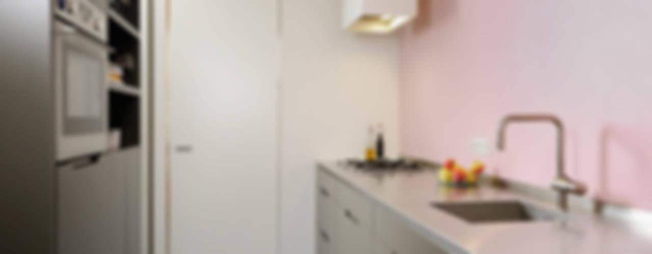 HOME #2:  Keuken door VEVS Interior Design,