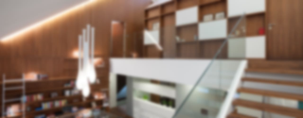 Ingresso, Corridoio & Scale in stile moderno di MOBIUS ARCHITEKCI PRZEMEK OLCZYK Moderno