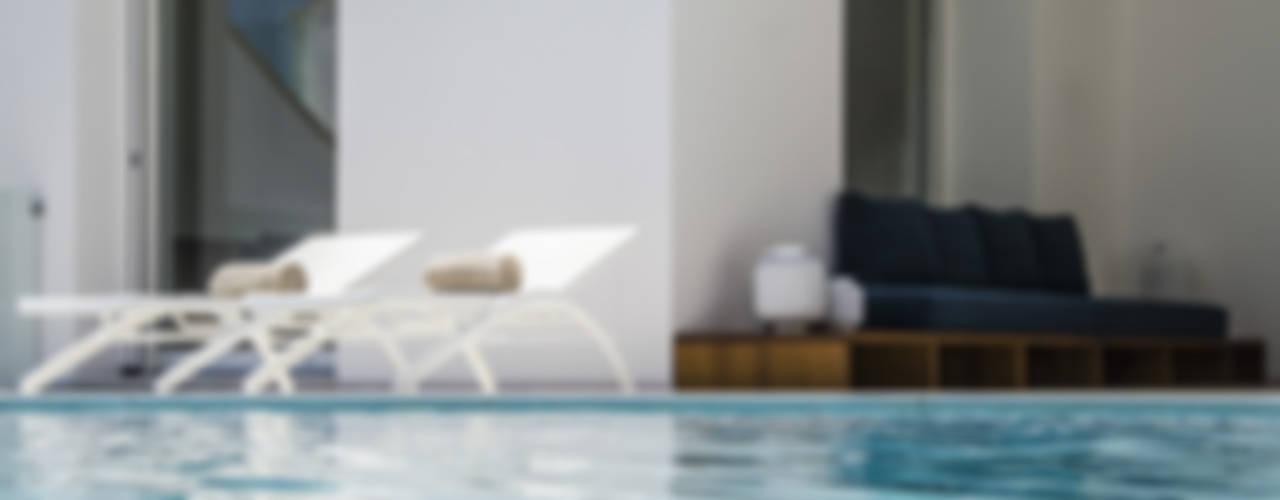 Moderne zwembaden van Sebastiano Canzano Architects Modern