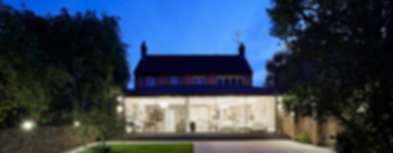 Casas  por Sophie Nguyen Architects Ltd