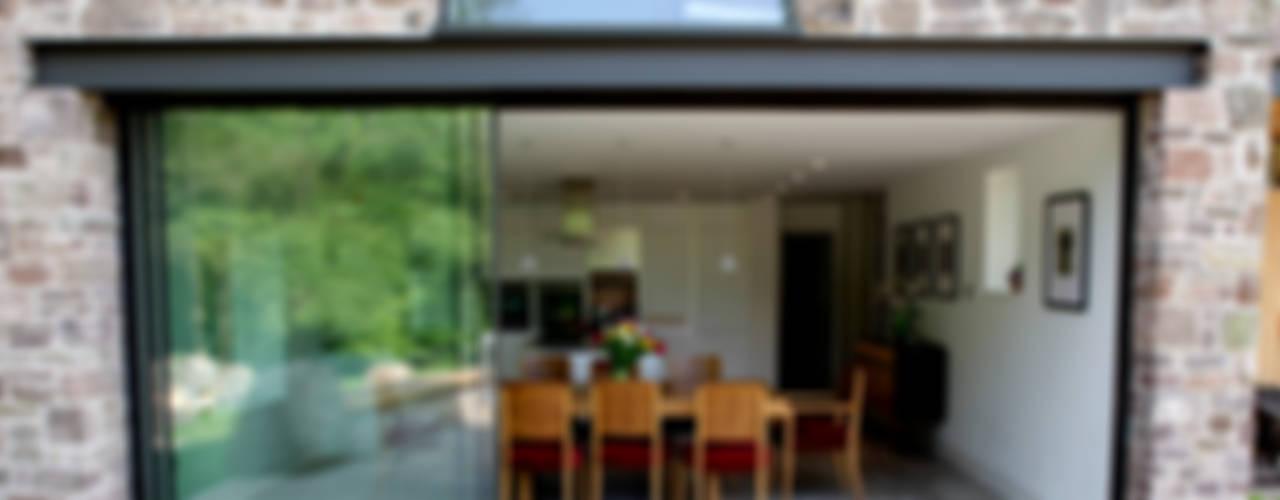 Veddw Farm, Monmouthshire Casas modernas de Hall + Bednarczyk Architects Moderno