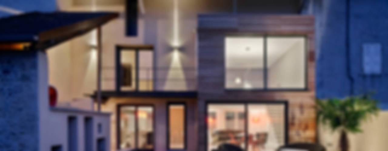Casas modernas: Ideas, diseños y decoración de Lautrefabrique Moderno