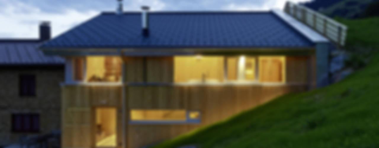 Stallausbau S Landhäuser von HAMMERER Architekten GmbH/SIA Landhaus