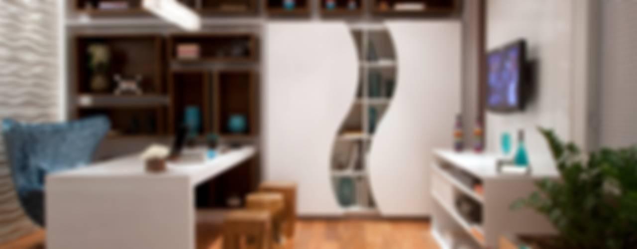 Home Office Escritórios ecléticos por Adriana Fiali e Rose Corsini - FICODesign Eclético