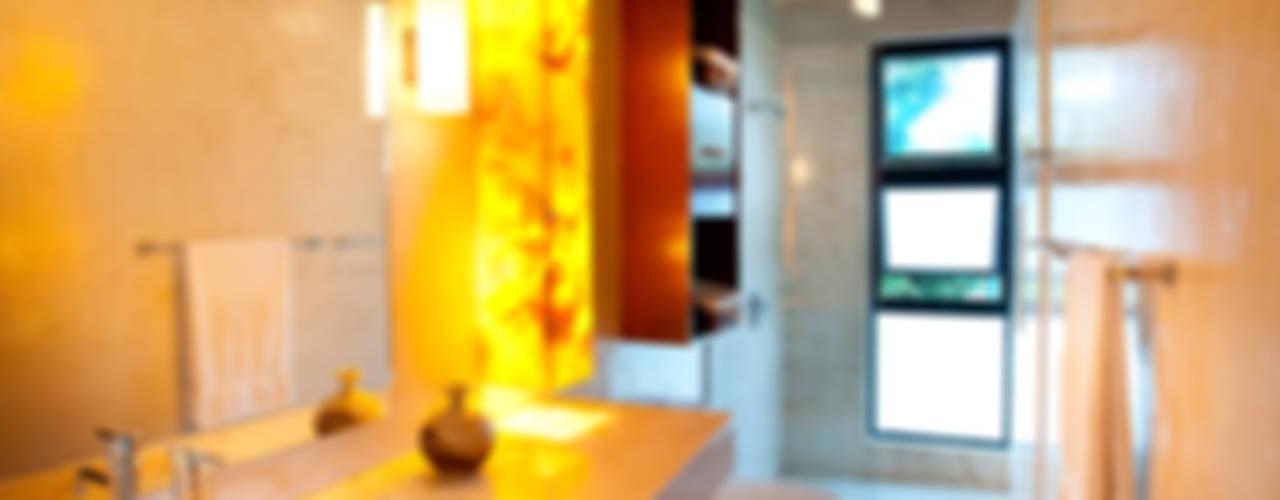 Moderne Badezimmer von Taller Estilo Arquitectura Modern