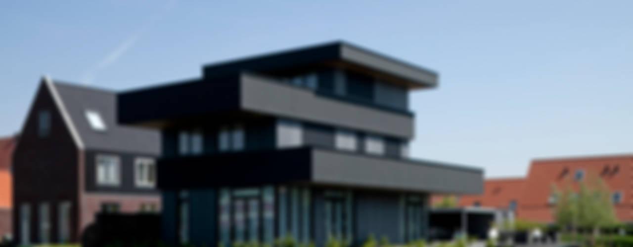 Villa Biesvaren Moderne huizen van HOYT architecten Modern