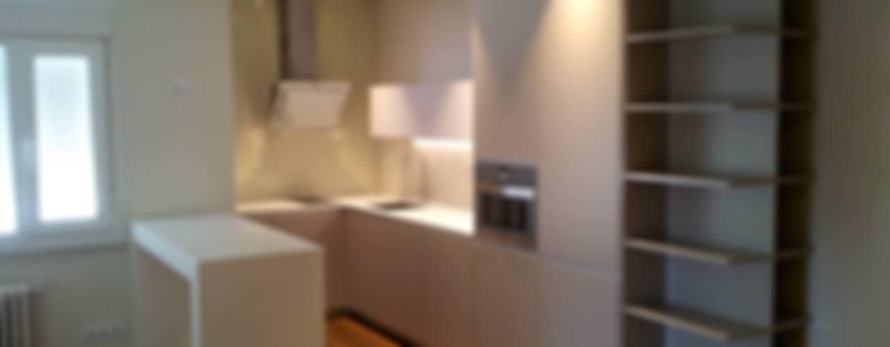 Nhà bếp theo Lumasa Proyectos, Hiện đại