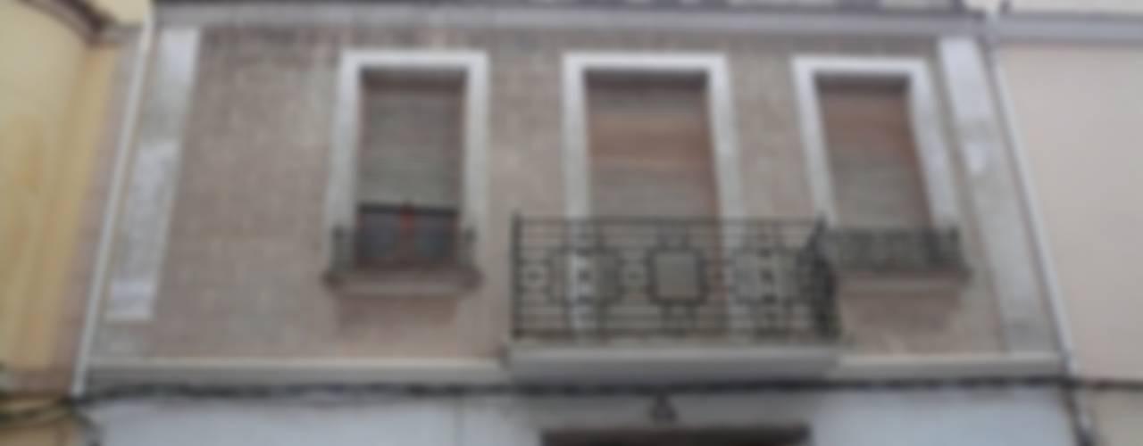 Aris & Paco Camús Modern home