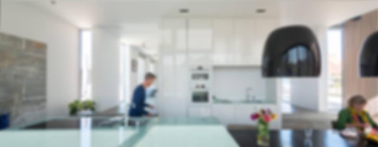 Woonhuis Leidsche Rijn Minimalistische keukens van Architect2GO Minimalistisch
