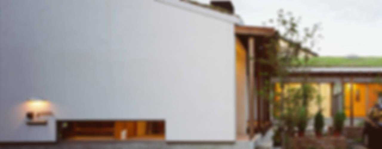 Houses by 小栗建築設計室, Rustic