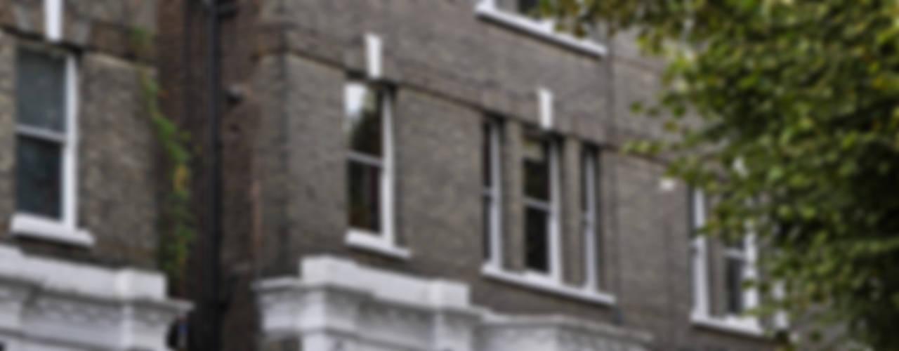 OPPIDANS ROAD, PRIMROSE HILL Modern houses by E2 Architecture + Interiors Modern