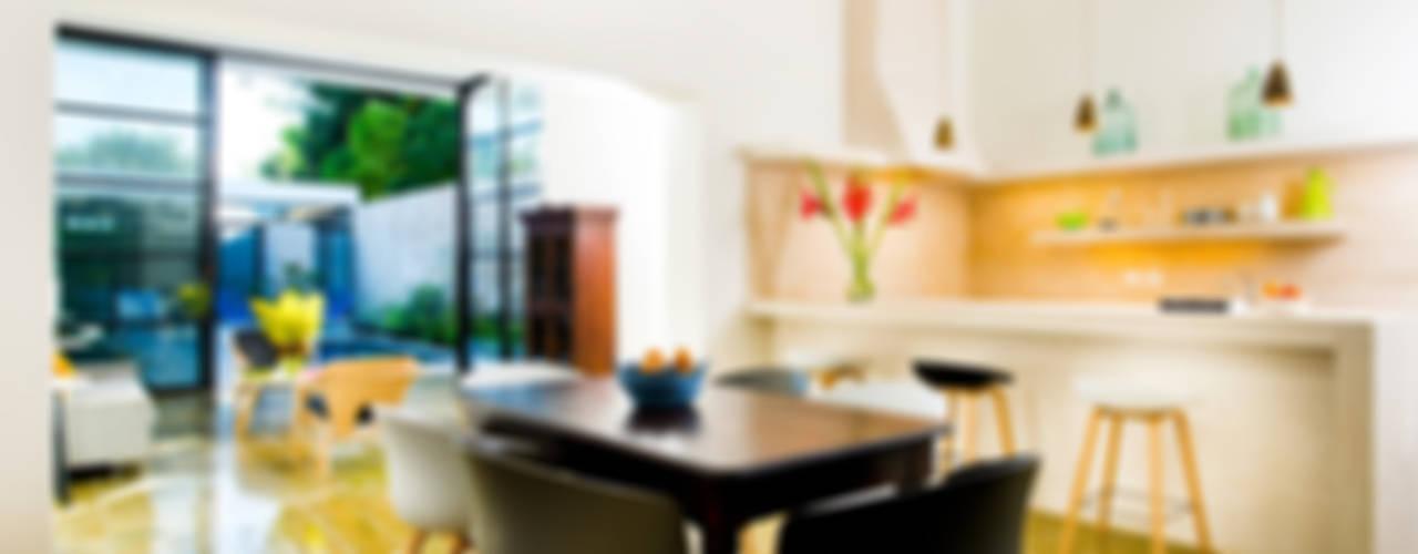 Salle à manger moderne par Taller Estilo Arquitectura Moderne