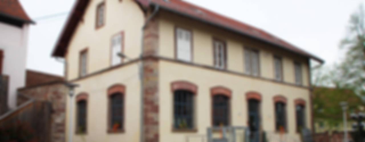Espace KRST Locaux commerciaux & Magasin industriels par BIENSÜR Architecture Industriel