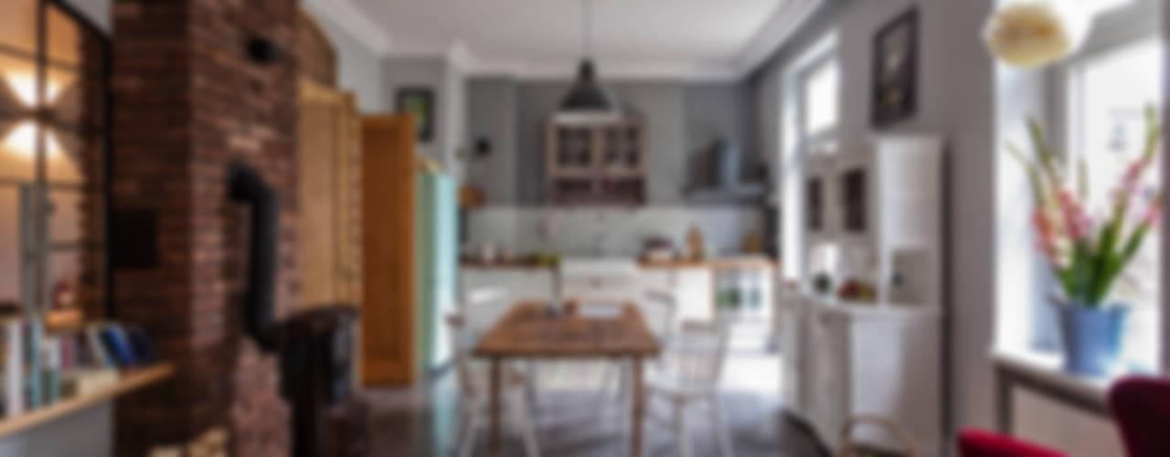 Cozinhas rústicas por MOCOLOCCO Rústico