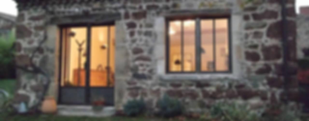 Aménagement d'un cuvage en ruine Fenêtres & Portes industrielles par Forge Art by A.T.R Industriel