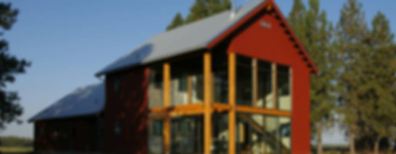 Palouse Residence Modern houses by Uptic Studios Modern