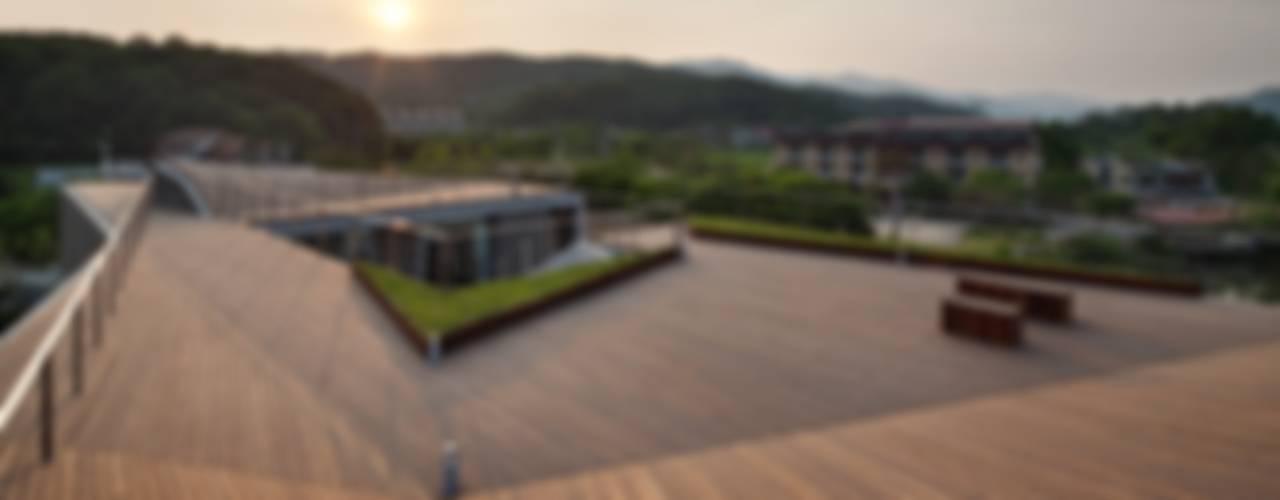 Guesthouse Rivendell 모던스타일 발코니, 베란다 & 테라스 by KWAK, HEESOO [IDMM Architects] 모던
