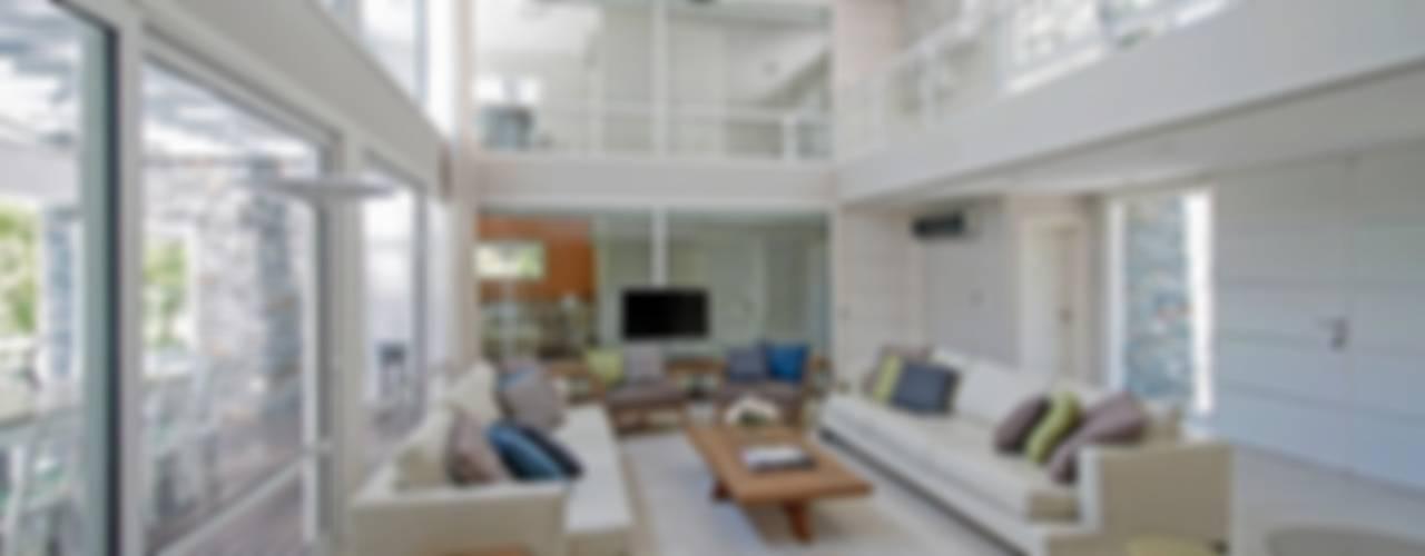 Soggiorno moderno di Estudio Sespede Arquitectos Moderno