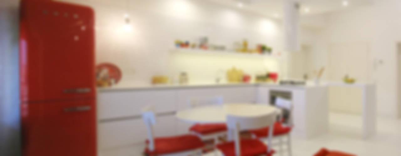 Moderne Küchen von msplus architettura Modern