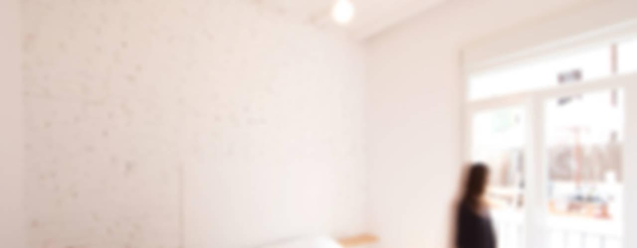 Bedroom by Dolmen Serveis i Projectes SL