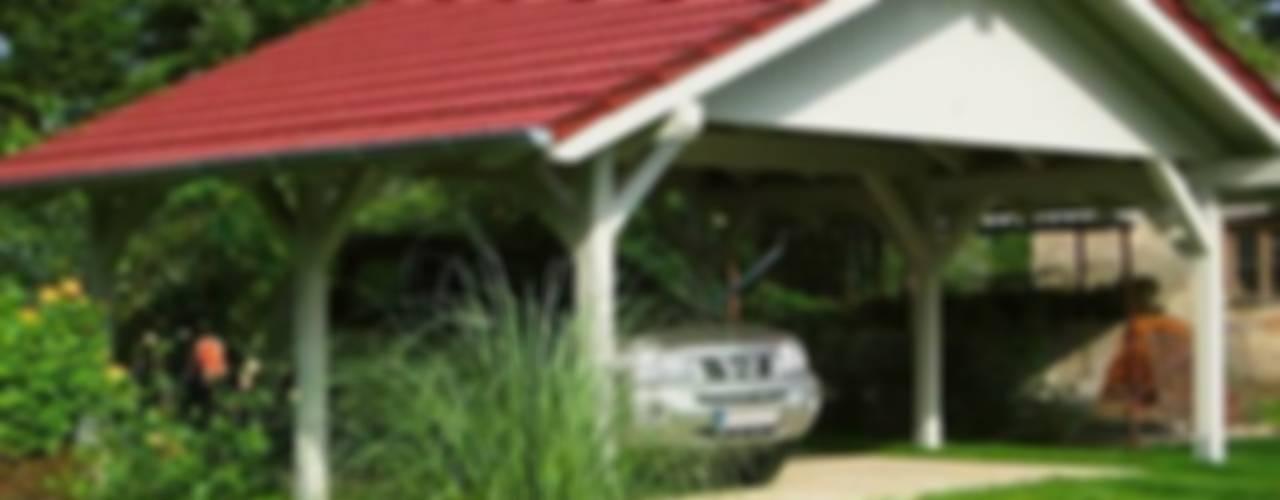 Wiaty garażowe: styl , w kategorii Garaż prefabrykowany  zaprojektowany przez Ogrodolandia,Klasyczny