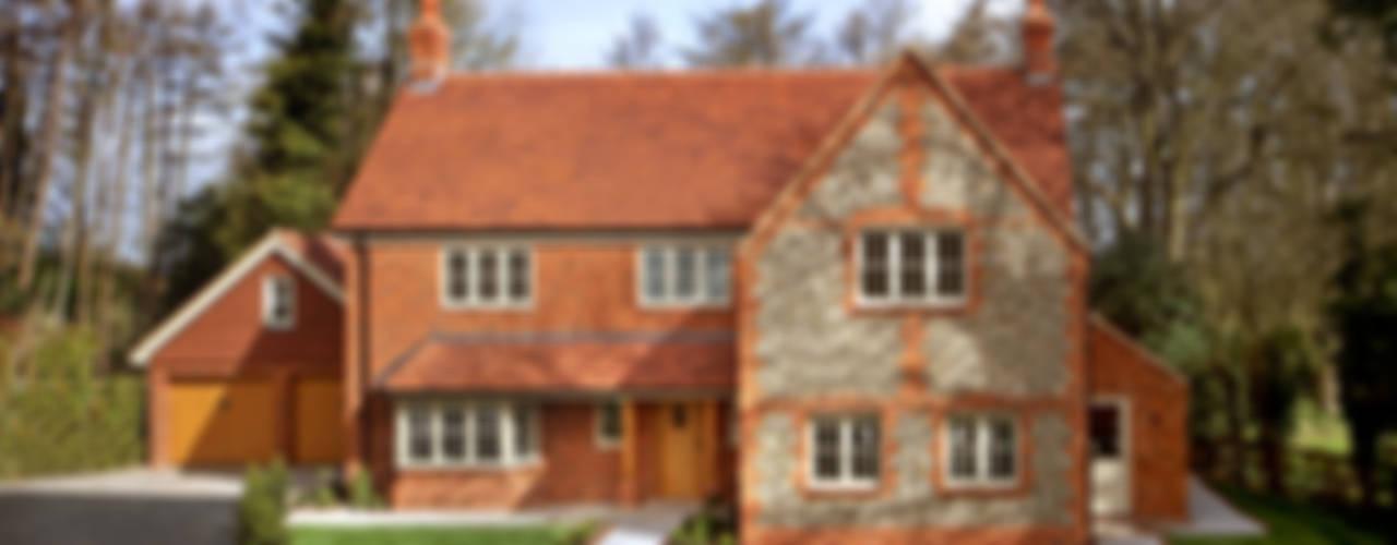 A Country Home Balkon, Veranda & Terrasse im Landhausstil von Emma & Eve Interior Design Ltd Landhaus