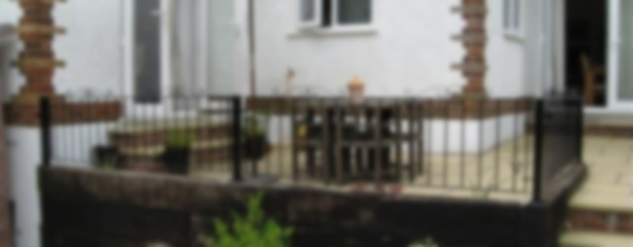 Metal Fence & Railings Classic style garden by Cannock Gates Ltd Classic