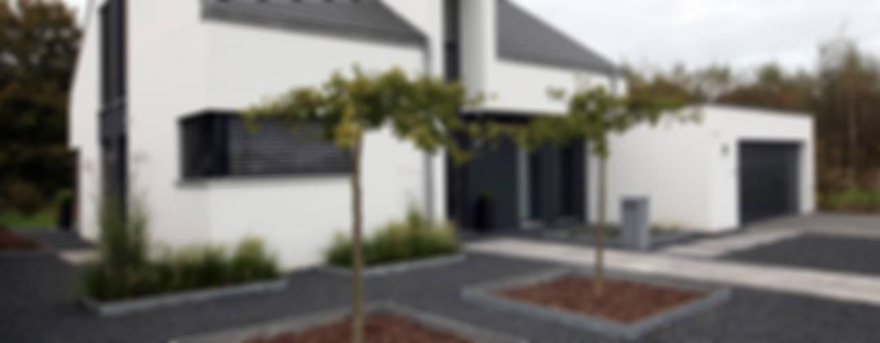 Haus K - Holzständerhaus in Wegberg Minimalistische Häuser von Architektur Jansen Minimalistisch