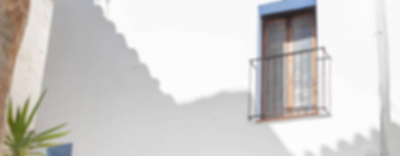 Rustykalne domy od FGMarquitecto Rustykalny