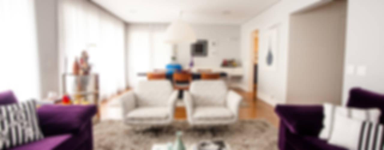 Perdizes I: Salas de estar  por Casa 2 Arquitetos