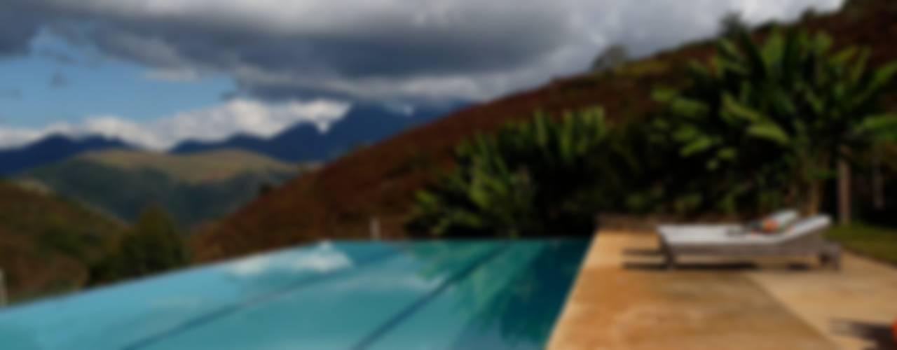 Fazenda Santa Luzia Piscinas minimalistas por Ronald Ingber Arquitetura Minimalista