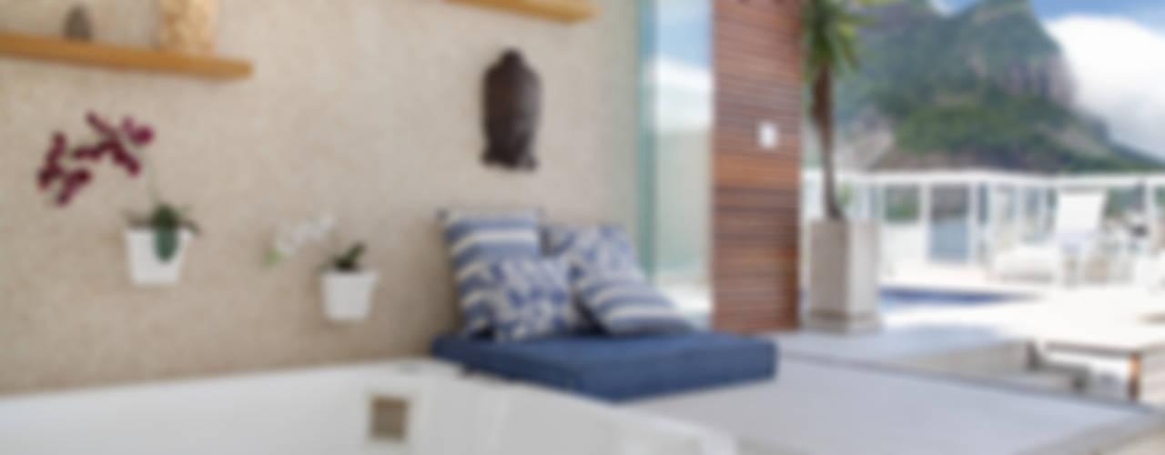Spa de estilo  por Carolina Mendonça Projetos de Arquitetura e Interiores LTDA, Moderno