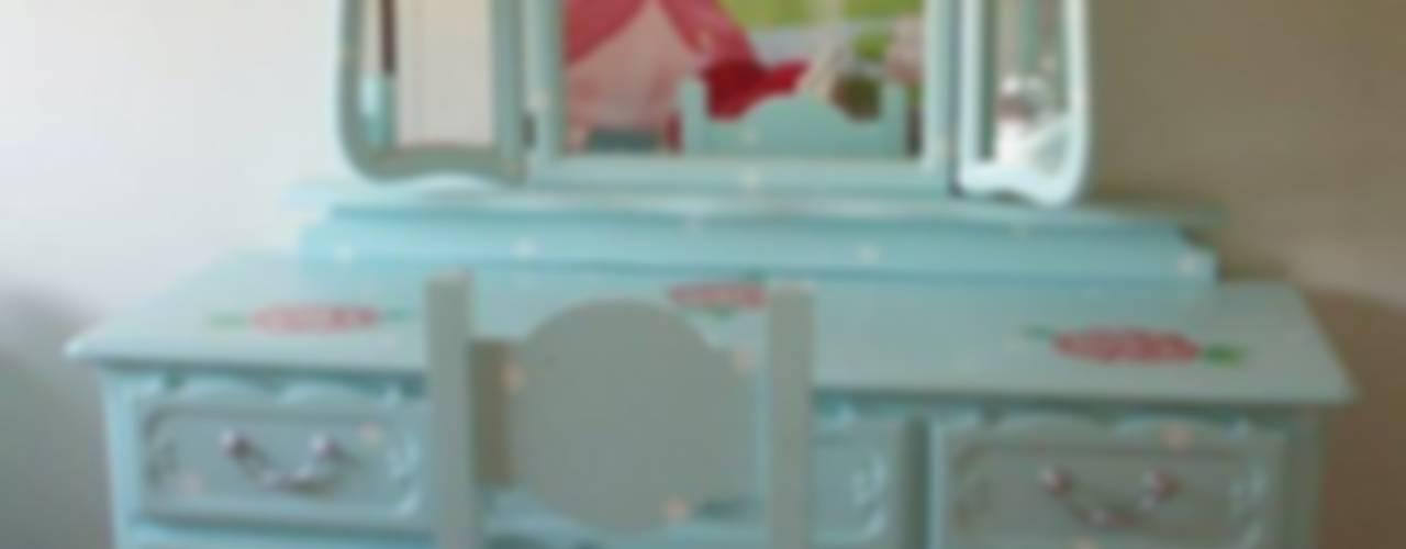 Bijzondere meubels naar wens beschilderd, voor zowel jong en oud.:   door Happykidsart
