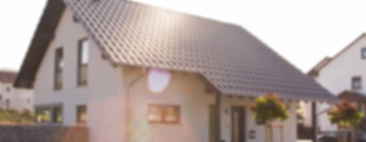 от FingerHaus GmbH - Bauunternehmen in Frankenberg (Eder) Модерн