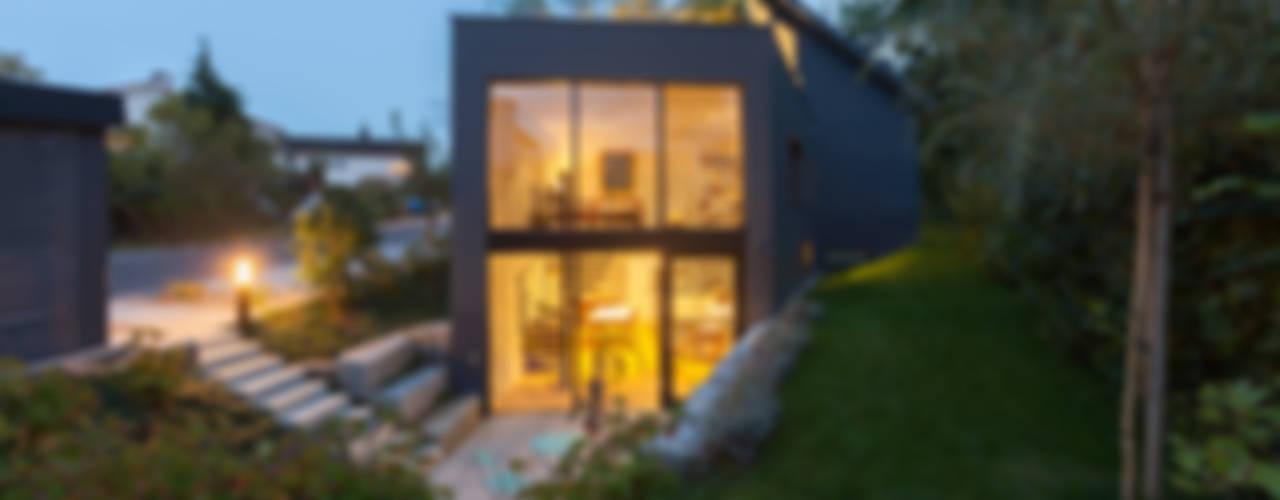 von Mann Architektur GmbH 現代房屋設計點子、靈感 & 圖片