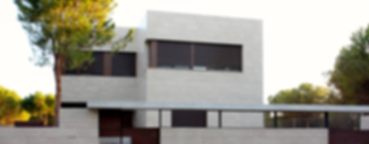 Casa Zaranda Casas de estilo moderno de LAR arquitectura Moderno