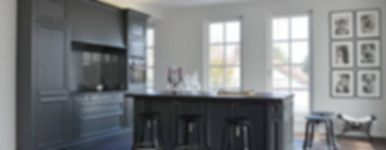 Moderne Landhausküche:  Küche von möbelwerkstatt hamkens GbR