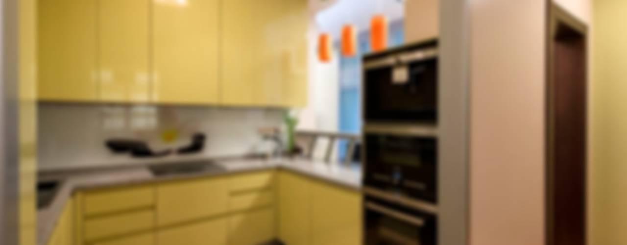 Eclectic style kitchen by Ольга Макарова (Экодизайн) Eclectic