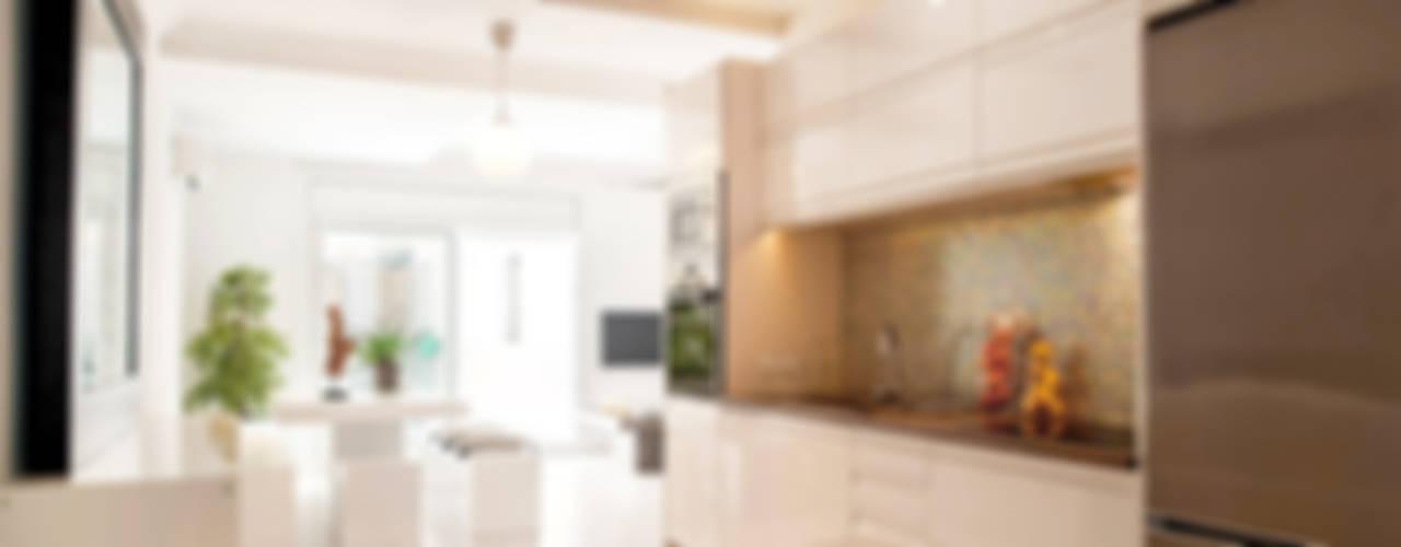 Cucina minimalista di Markham Stagers Minimalista