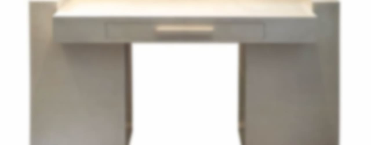Arredamenti in Pergamena- Furnitures in parchment di Galleria Michel Leo Minimalista
