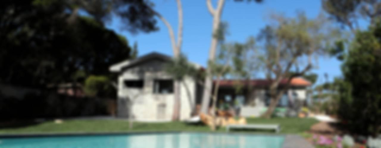Renovação moradia em Birre II | Cascais: Casas  por shfa