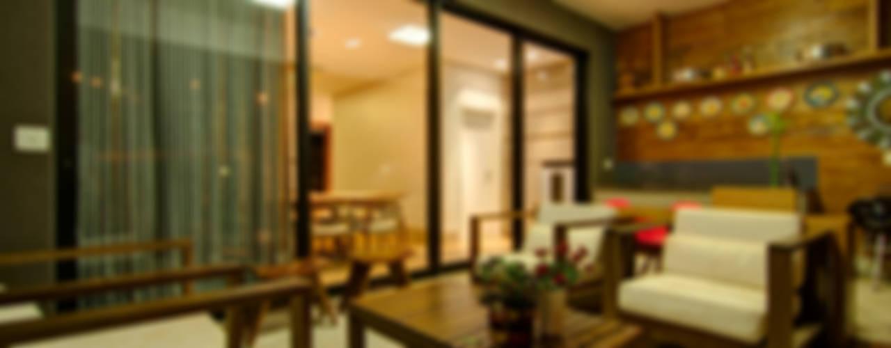 Residência VG Varandas, alpendres e terraços modernos por ÓBVIO: escritório de arquitetura Moderno