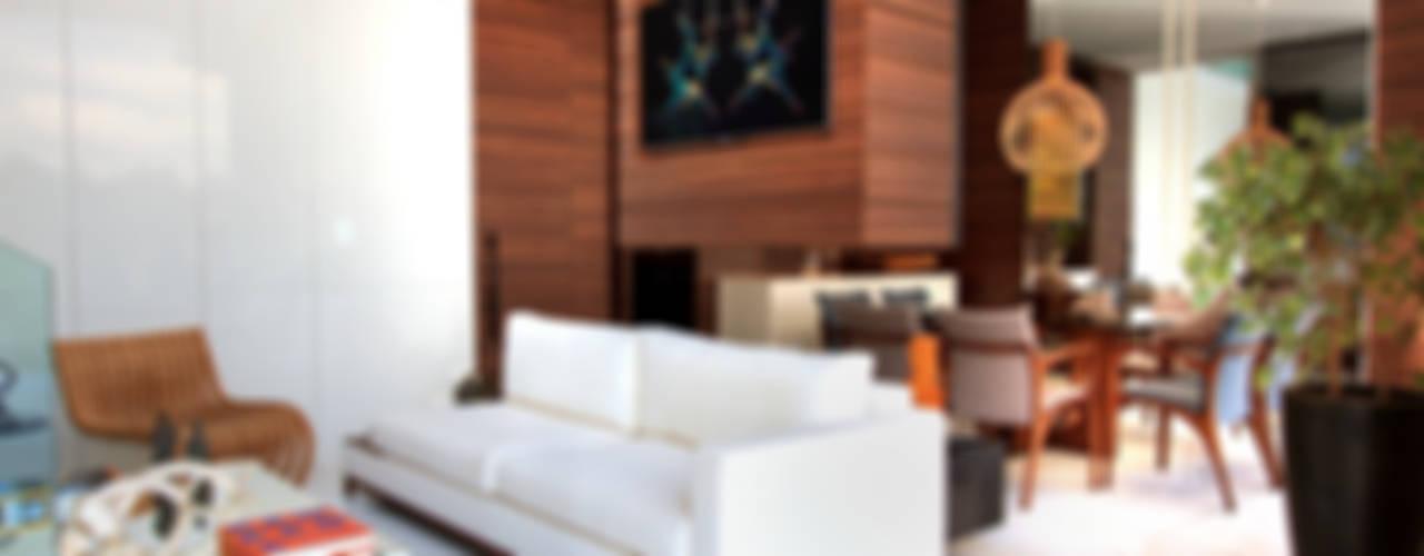 غرفة المعيشة تنفيذ Maina Harboe Arquitetura