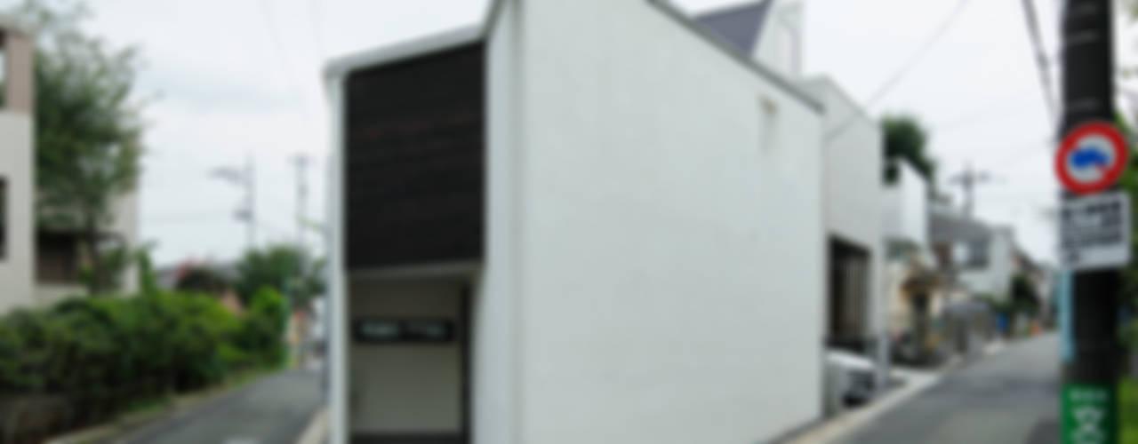 変形敷地を活かす暮らしのかたち「三角の家」: 一級建築士事務所A-SA工房が手掛けた家です。,モダン