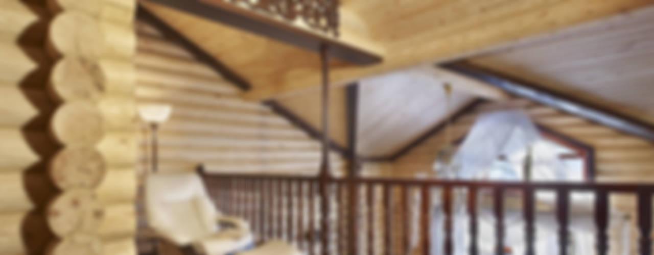 В гостях у белки Коридор, прихожая и лестница в стиле кантри от Архитектурная студия 'Солнечный дом' Кантри