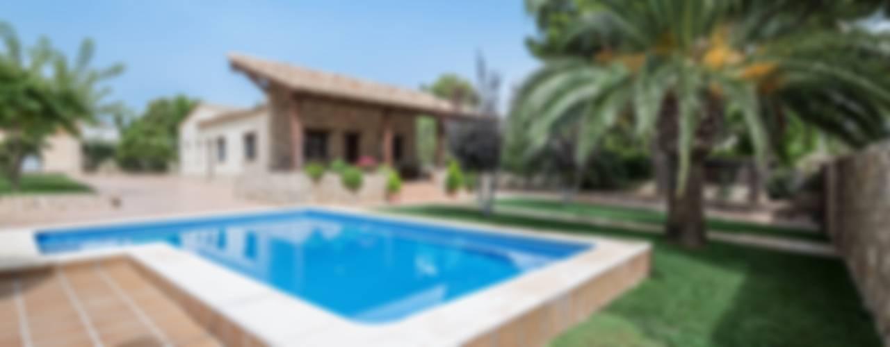 Casas de estilo  por LLIBERÓS SALVADOR Arquitectos