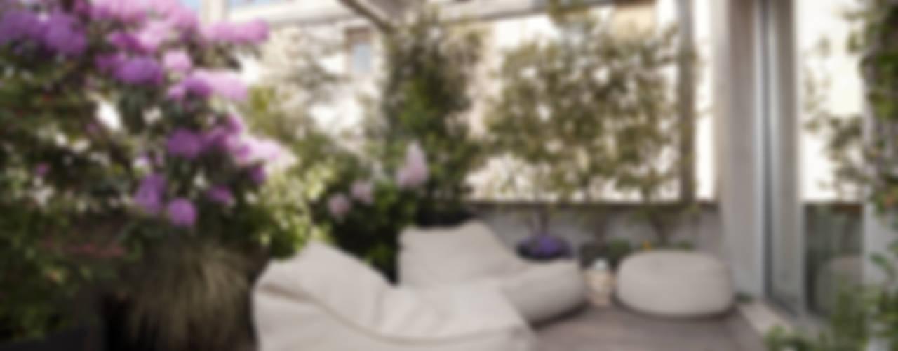 Minimalistyczny balkon, taras i weranda od homify Minimalistyczny