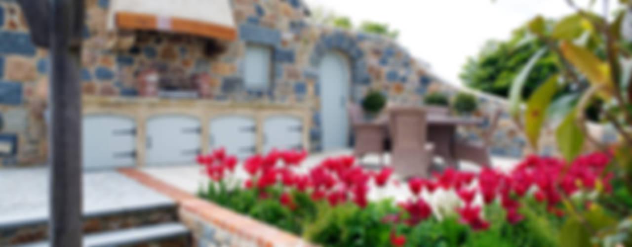 Le Pres de Bas CCD Architects Rustic style balcony, porch & terrace