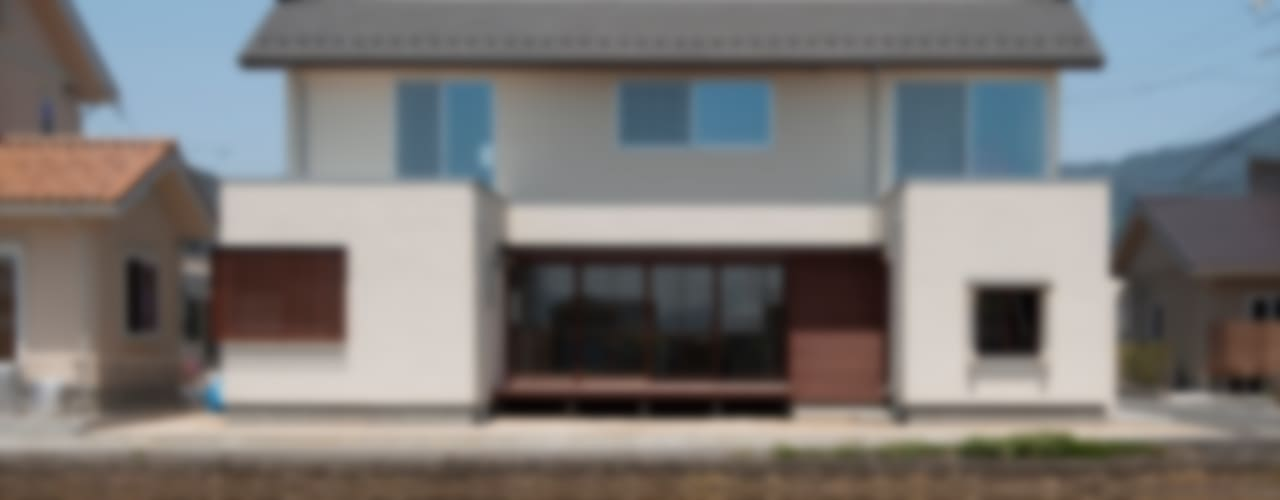 Houses by 宇佐美建築設計室,