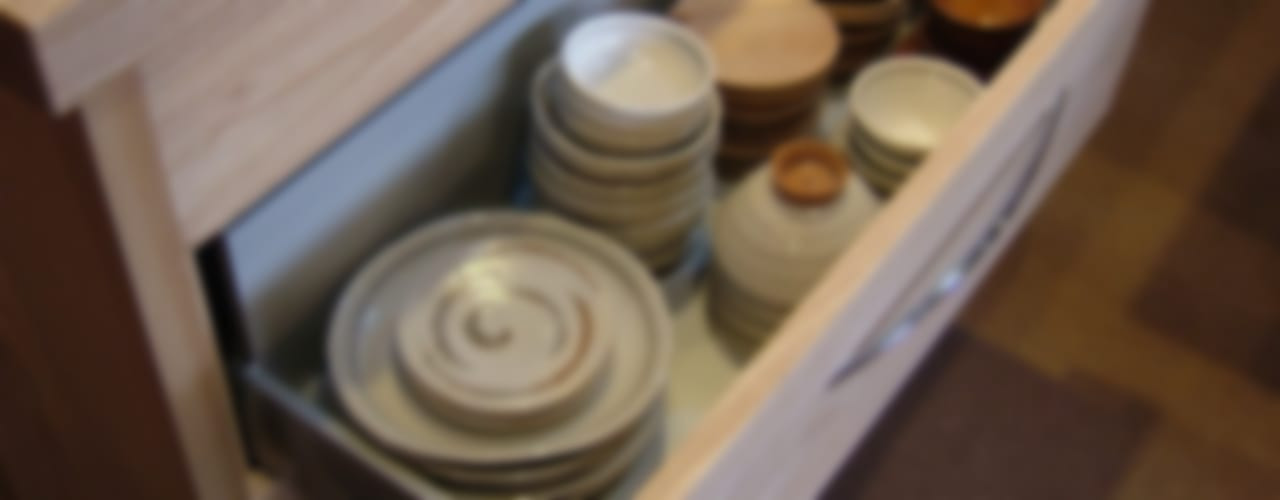 伊豆 新築H邸 住宅建築施工:祭り屋: 一枚板テーブルと無垢材家具・キッチンの祭り屋が手掛けた折衷的なです。,オリジナル